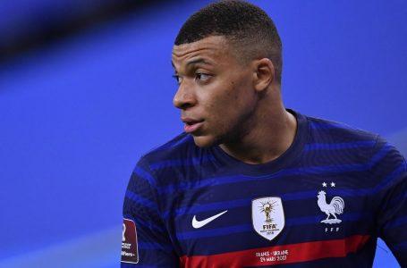 Lloris sur l'état d'esprit de Kylian Mbappé : « Il sait faire la part des choses pour aider l'équipe de France »