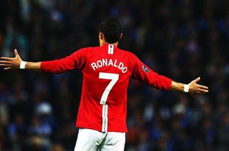 Man Utd : une statue en chocolat avec la taille réelle de Cristiano Ronaldo introduit dans son musée